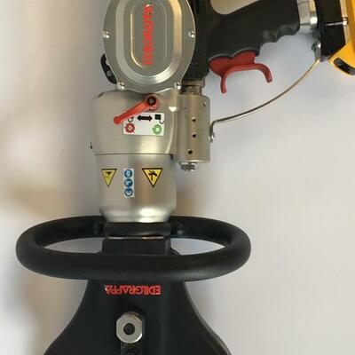 Battery Operated Hydraulic Cutter